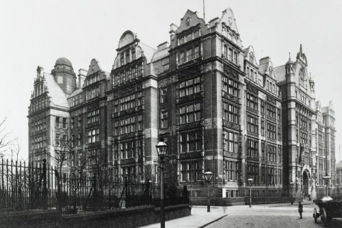What's the history of Manchester?