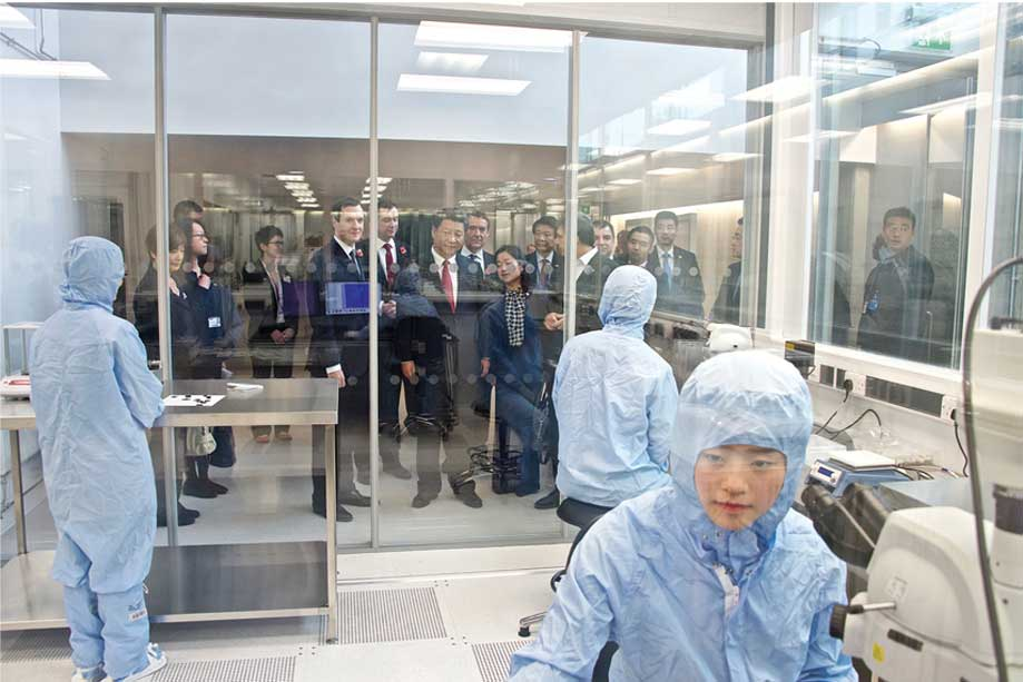Chinese president at the National Graphene Institute