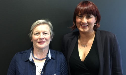 Smell of skin could lead to early Parkinson's diagnosis - Joy (left) and Perdita