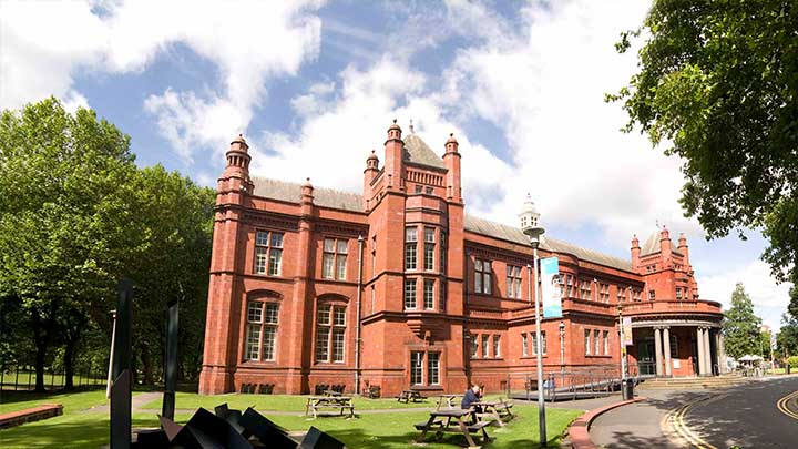 The Whitworth Art Gallery in summer